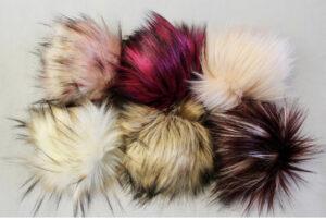 six pom pom faux fur
